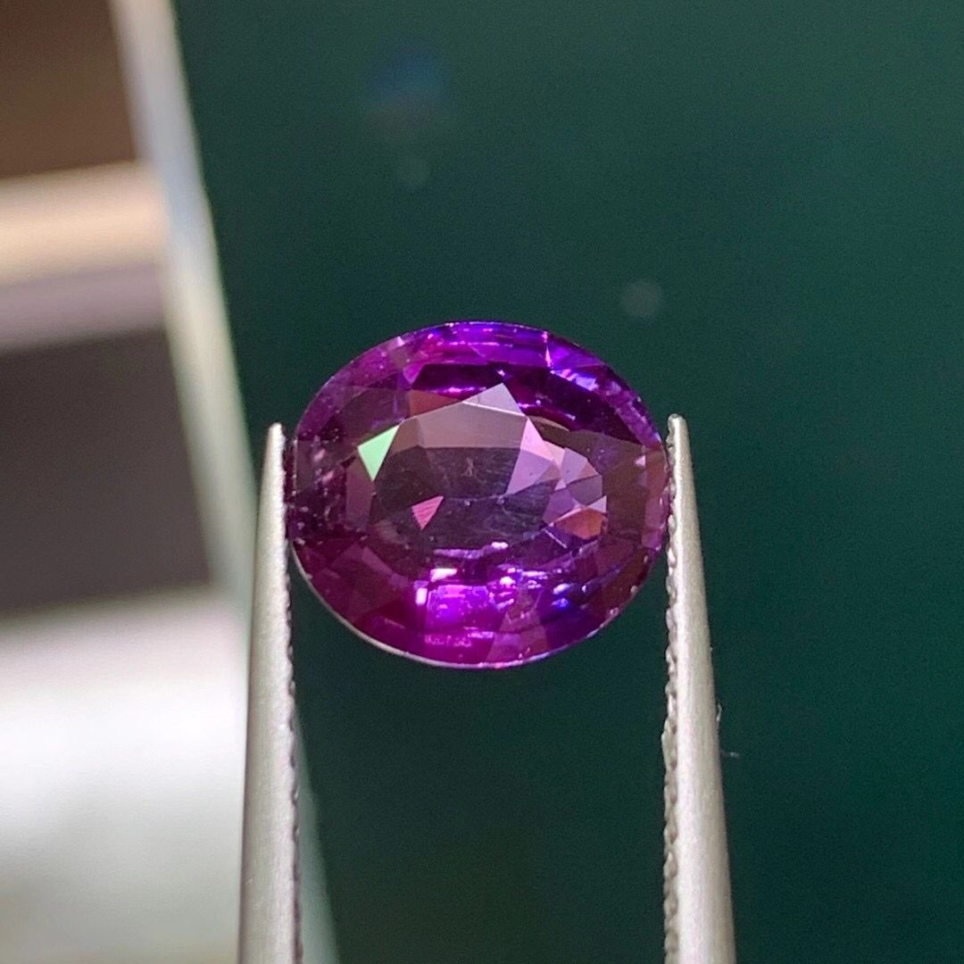 2.81 carat natural unfired purple sapphire ring face oval naked stone full of fire color 2 carat boutique