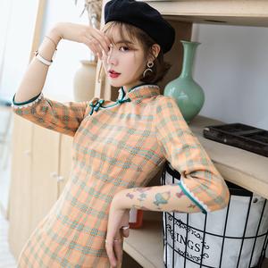 格子旗袍年轻款少女文艺中袖中长款修身改良版时尚夏季旗袍连
