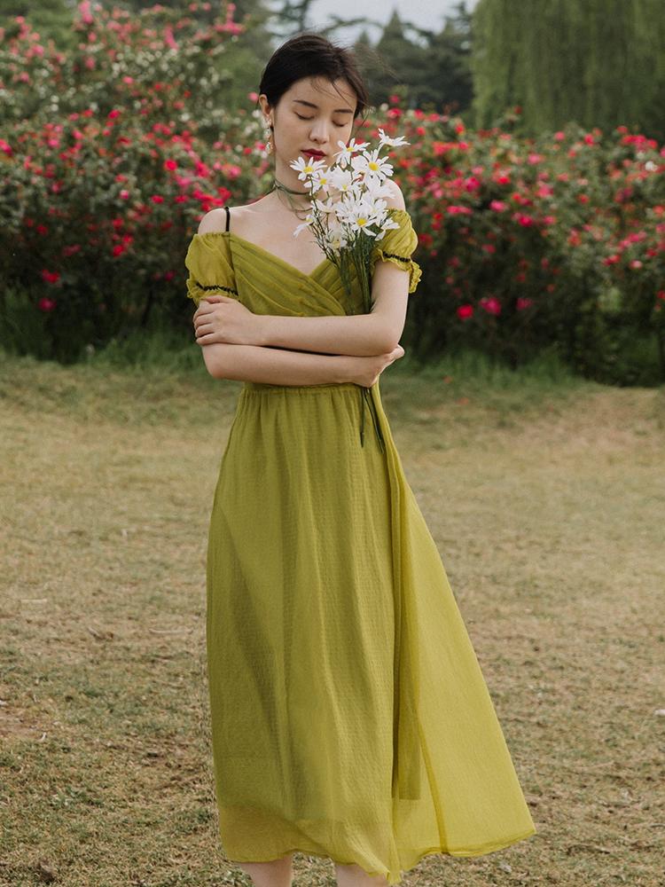 浪漫约会甜美公主裙 荧光绿显白欧根纱泡泡袖可露肩吊带V领仙女裙