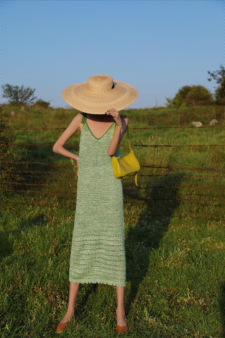 绿色针织吊带连衣裙2020新款巴厘岛海边度假风修身显瘦长款包臀女