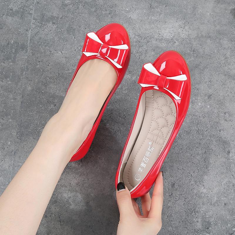 20春季新款圆头漆皮红色淑女中跟单鞋拼色蝴蝶结软底坡跟33豆豆鞋