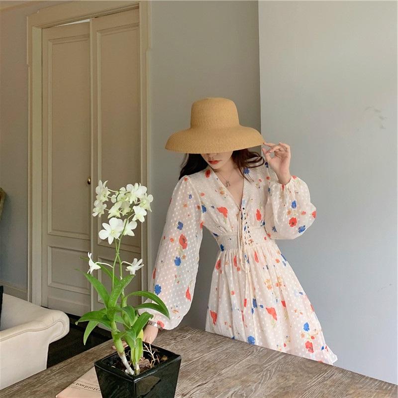 2020春夏季很仙的法式复古初恋感觉超温柔约会雪纺印花度假连衣裙
