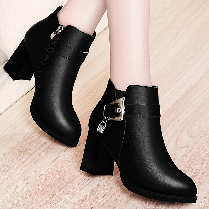 2020 new short boots womens thick heel boots womens medium heeled shoes autumn and winter single boots womens shoes British Martin boots