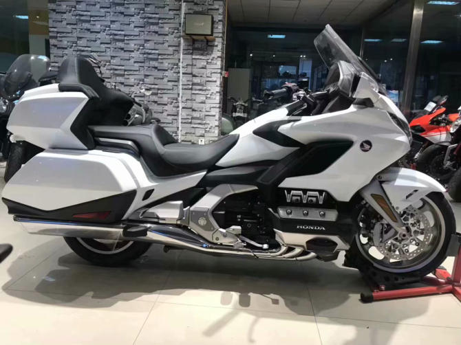 [Hongchen motorcycle store] for sale - Honda golden wing gl1800 luxury travel motorcycle can be licensed