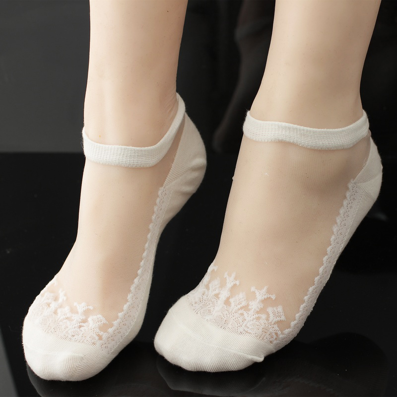 Lace stockings transparent invisible stockings crystal stockings Korean thin lovely glass stockings boat stockings summer womens stockings