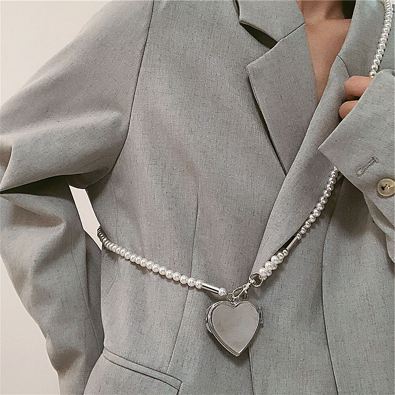 ins风珍珠腰链斜挎背带女时尚心形镜子吊坠装饰腰带裙子西装配饰