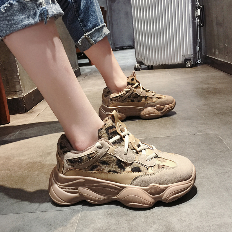 女士休闲鞋