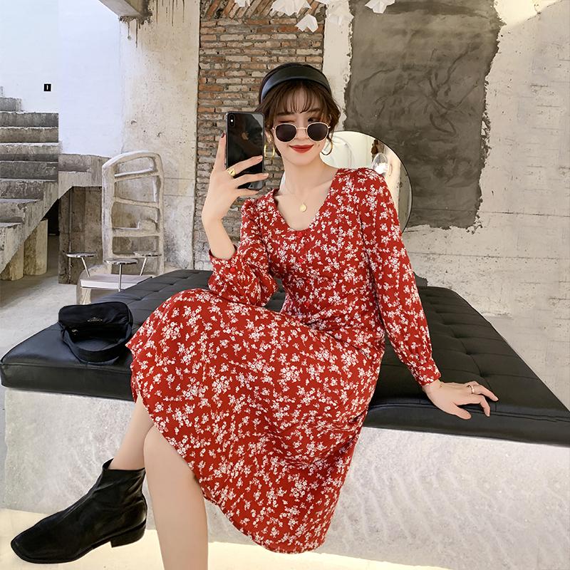 春装2020新款度假沙滩裙长款气质长袖收腰雪纺红色碎花连衣裙女夏