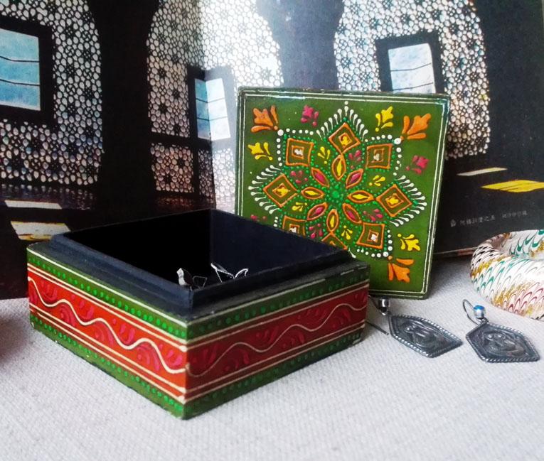 印度特色手工艺品古朴雅致彩绘木质首饰盒东南亚风格古着首饰收纳