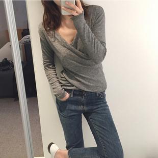 性感寬鬆低胸V領T恤女春秋新款小心機上衣純色顯瘦彈力打底衫大碼