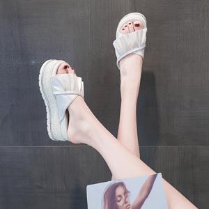 网红松糕凉拖鞋子仙女鞋外穿2021年新款坡跟夏季时尚内增高跟厚底