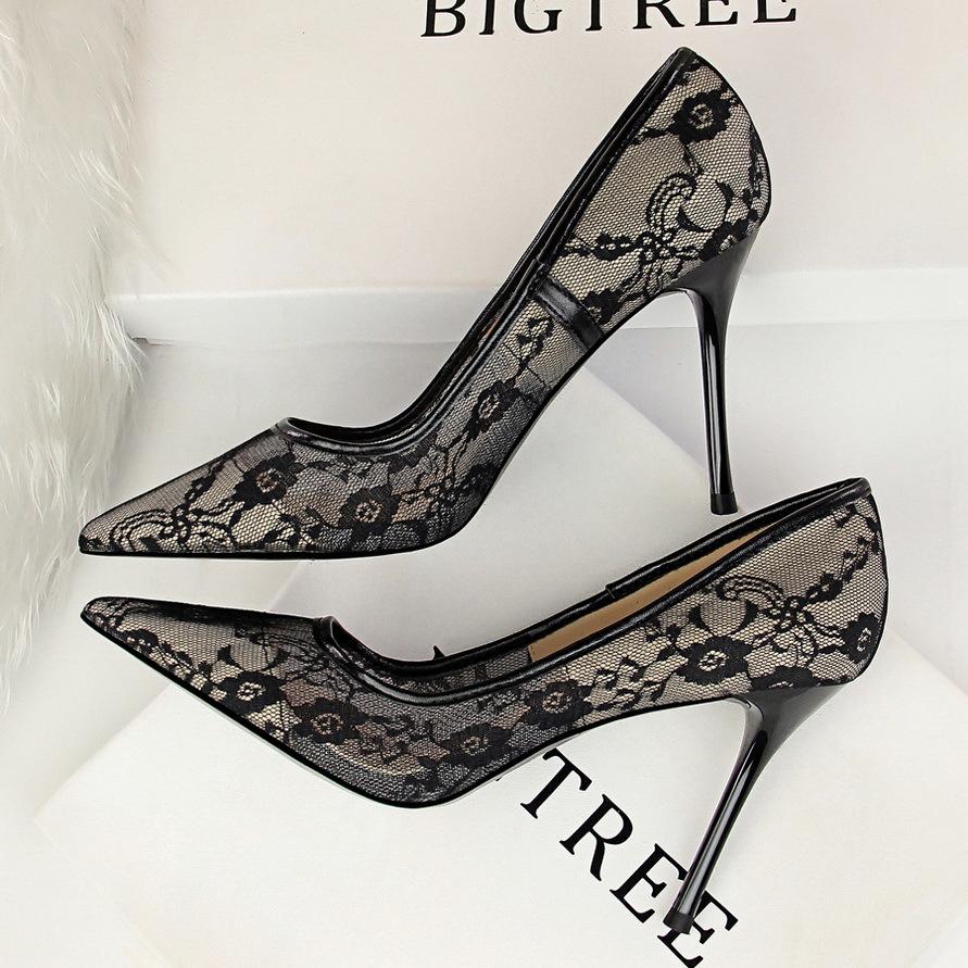 黑色蕾丝高跟鞋2021新款尖头细跟性感网纱镂空夜店女百搭单鞋床上