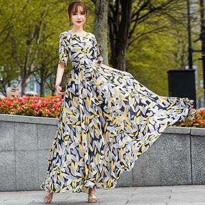 沙滩裙2020新款气质雪纺大摆长裙淡黄色印花长裙显瘦显高遮胯裙子