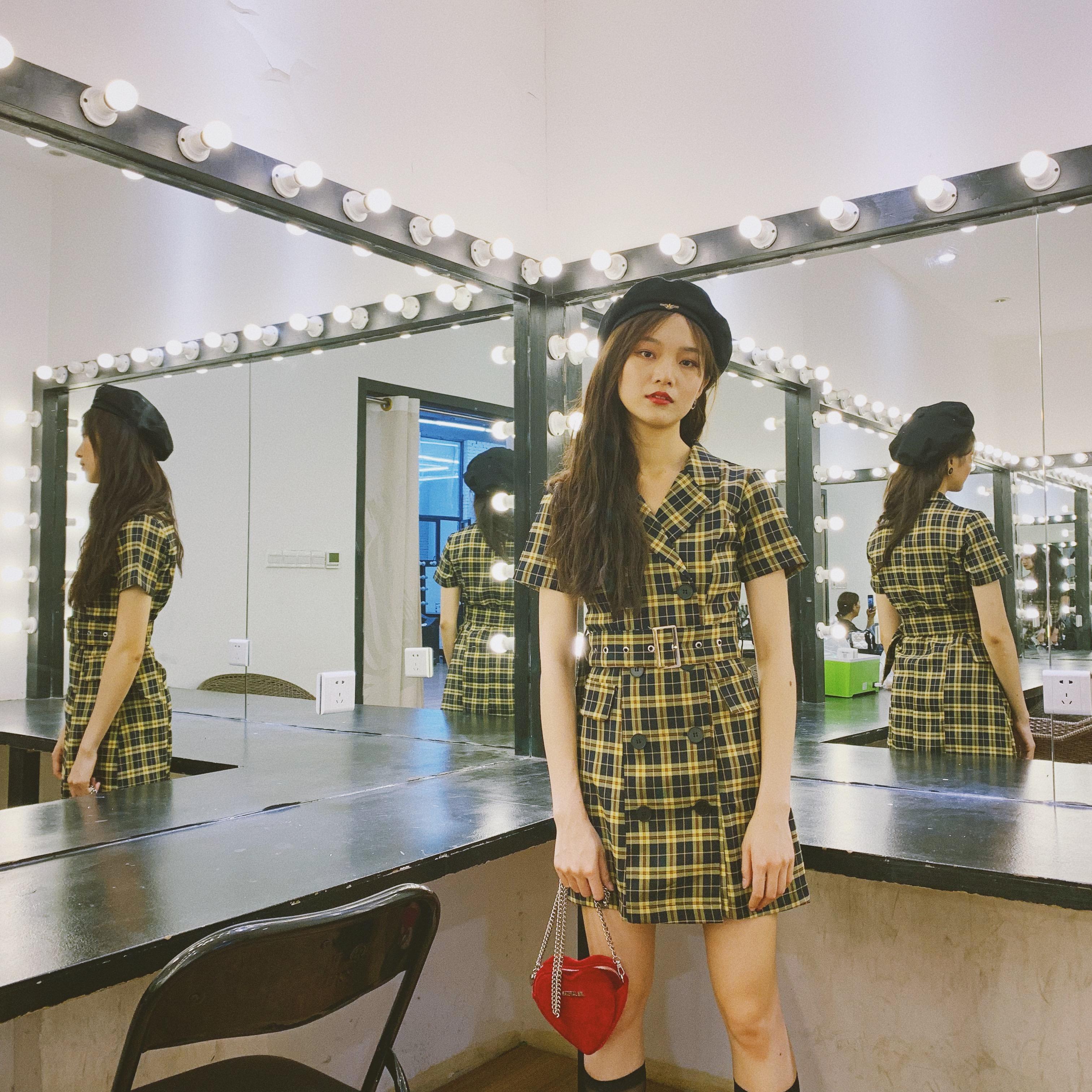 下蛋喵 19夏季美式学院黄色格纹复古美少女西装领腰带显瘦连衣裙