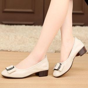 春夏季女鞋粗跟单鞋浅口真皮女士鞋子小皮鞋中跟软底大码4143小码