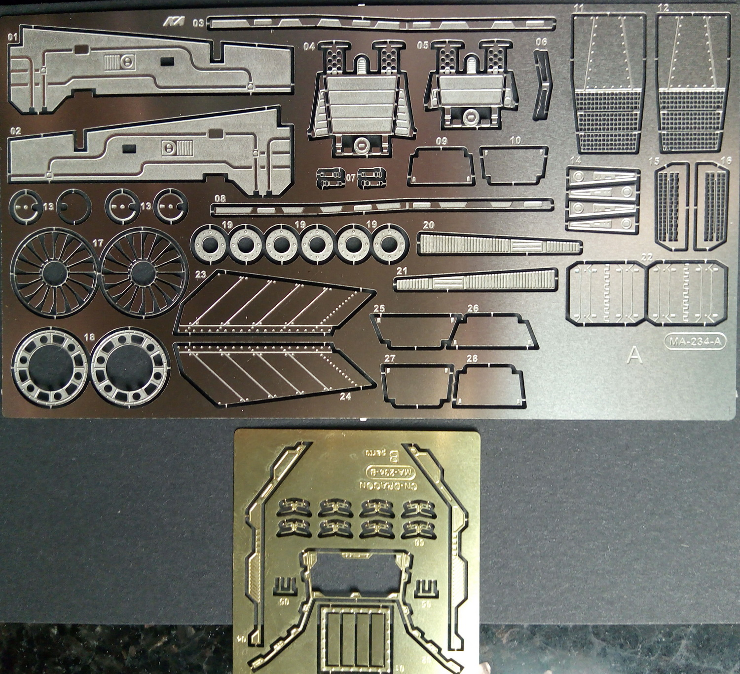 1: 48 yf-19 hyperspace fortress with Hasegawa fighter model modification etch