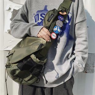 嘻哈潮牌男工裝包單肩大容量斜挎包學生休閒潮流挎包女郵差機能包