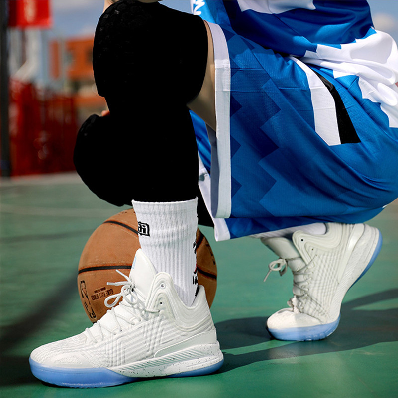 Iverson basketball shoes for middle school students in summer
