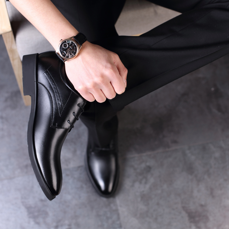 Business casual leather shoes mens leather pointed point Korean cattle shoes mens black increase youth British autumn air permeability