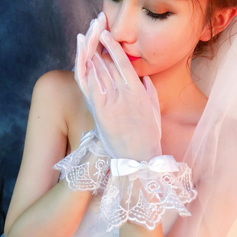 Свадьба перчатки кружево краткое модель белый корейский зима прозрачный невеста перчатки выйти замуж сексуальный кружево монтаж 2017