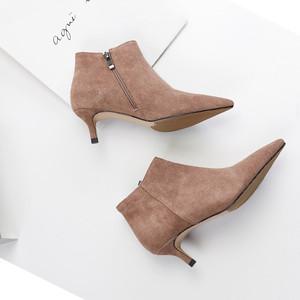 小跟短靴女5cm细跟真皮尖头秋冬单靴中跟百搭短筒裸靴及踝靴驼色