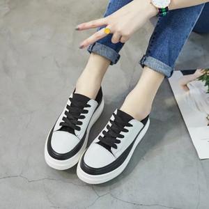 春厚底真皮小白鞋一鞋两穿韩版系带女休闲板鞋松糕底平底学生鞋女