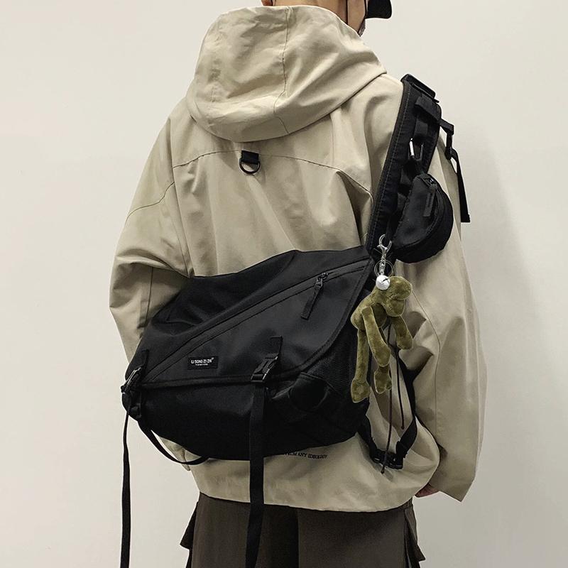 斜挎包男潮牌日系街头潮流嘻哈原宿机能包ins大容量单肩工装包女图片
