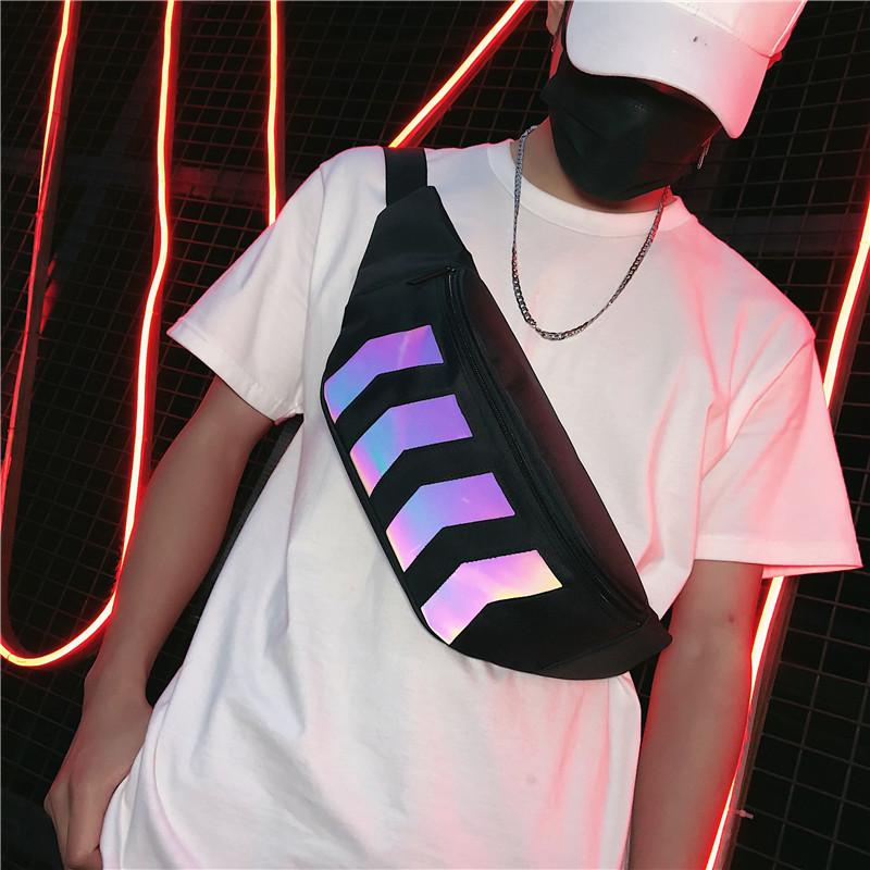 潮牌胸包男ins超火街头单肩包嘻哈腰包女个性学生反光斜挎小背包图片