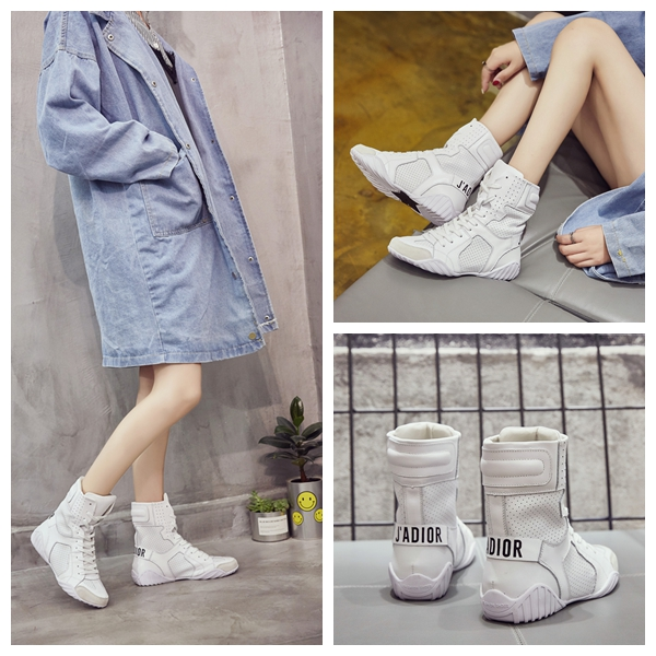 Korean sports flat sole leather high top shoes letter lace up womens boots European and American fashion hollow out Knight boots white boots
