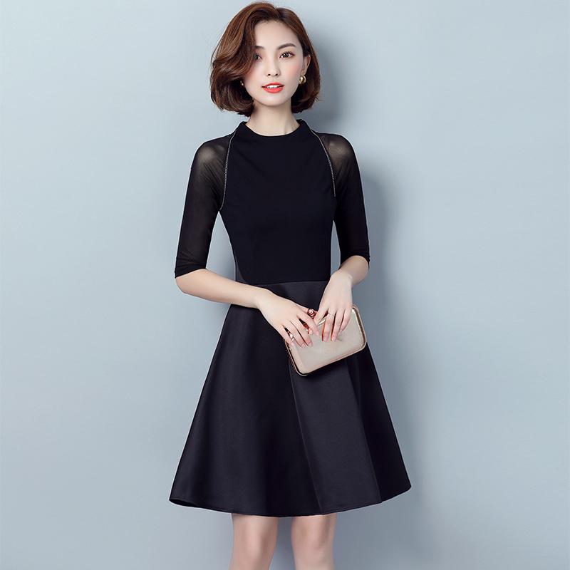 赫本小黑裙连衣裙2020春夏韩版新款修身显瘦裙子网纱蕾丝性感拼接