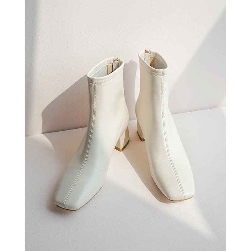 粗跟白色短靴女秋冬季加绒2019新款小跟真皮中跟方头网红瘦瘦靴子