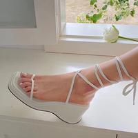 20夏季新品厚底坡跟细带夹趾凉鞋女罗马方头绑带白色显瘦高跟凉鞋