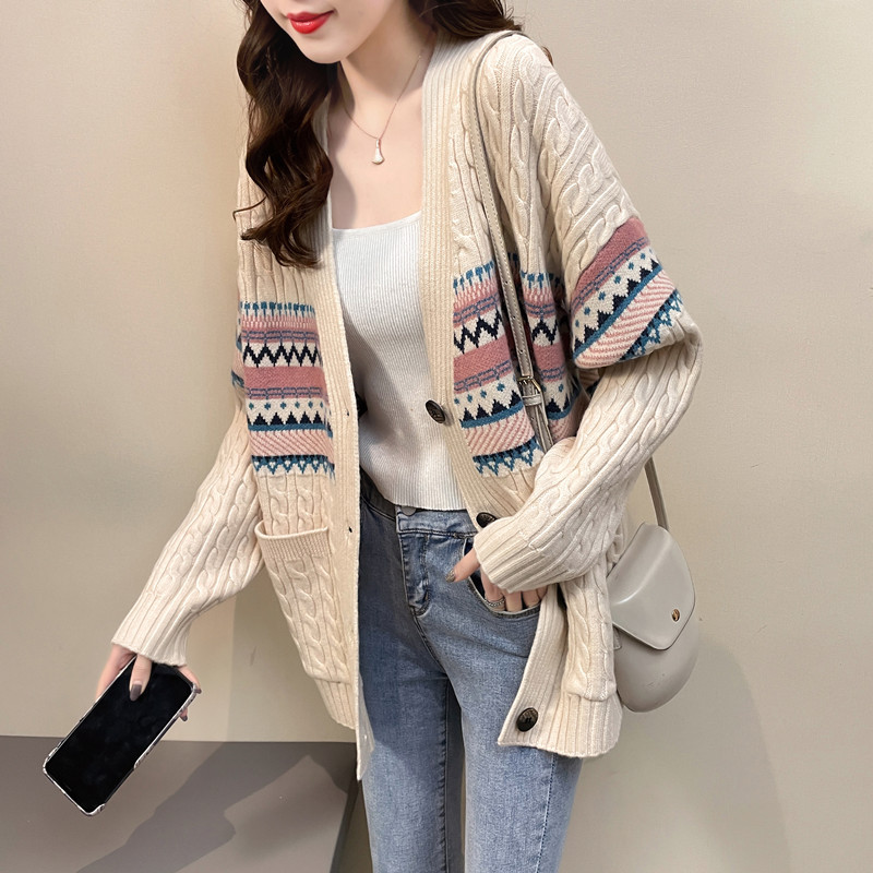 2021 new Korean popular family style sweater coat womens spring wear lazy medium length knitted cardigan