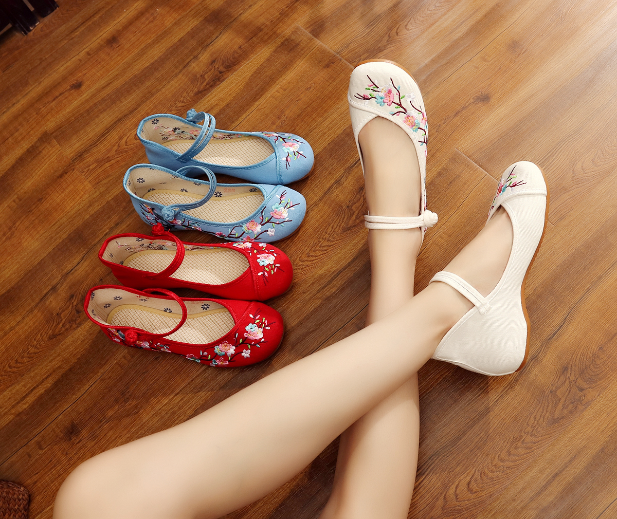Spring and autumn, Han and Tang Dynasties low slope heel shoes, traditional Chinese womens Hanfu with Oxford bottom crane embroidered shoes, national style