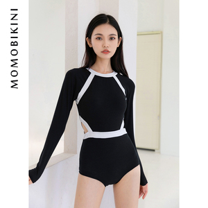 沫初見新款性感黑色連體泳衣少女保守小胸遮肚顯瘦學生泡溫泉泳裝