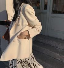 金のベルベットのスーツスリム薄い英国スタイルツーピーススーツファッションスーツの女性との新しい冬の星女性のコートのファッションシックなネット赤潮気質のスーツ