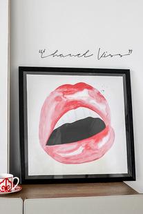 《香奈儿之吻》Chanel Kiss真实口红画的手绘透明感时髦装饰画