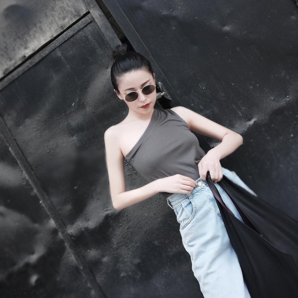 AEYX斜肩露肩背心内搭亲肤舒适打底上衣夏季性感吊带女暗黑不规则