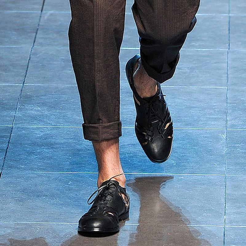 JINIWU吾倪季2020复古凉鞋纯黑高端手工绕带牛皮镂空男鞋系带皮鞋