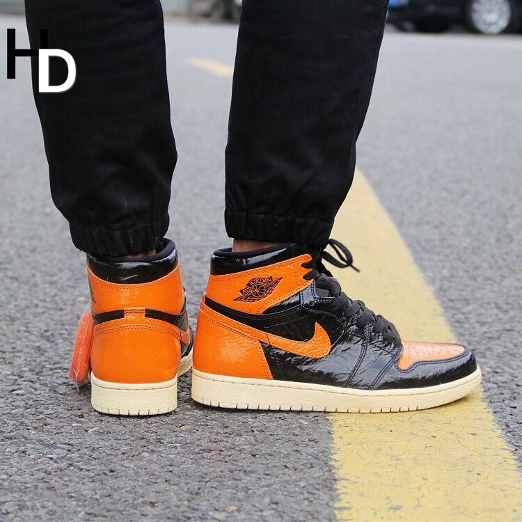 厚道体育 Air Jordan 1 AJ1漆皮做旧 扣碎篮板 猪油 555088-028