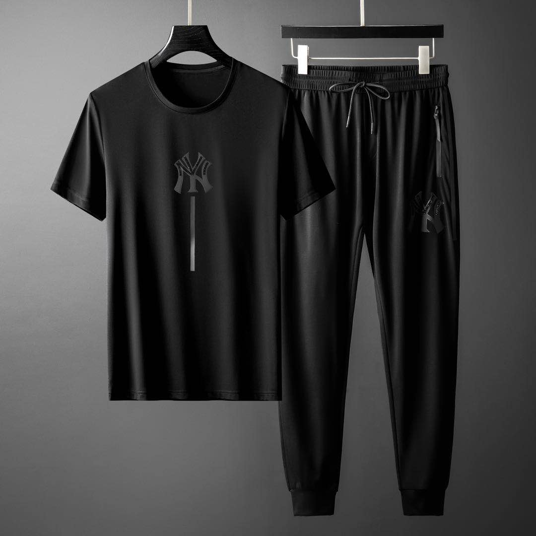 Light luxury mens fashion brand suit summer short sleeve sports two piece set ice silk fashion new elastic clothes tide speed dry clothes