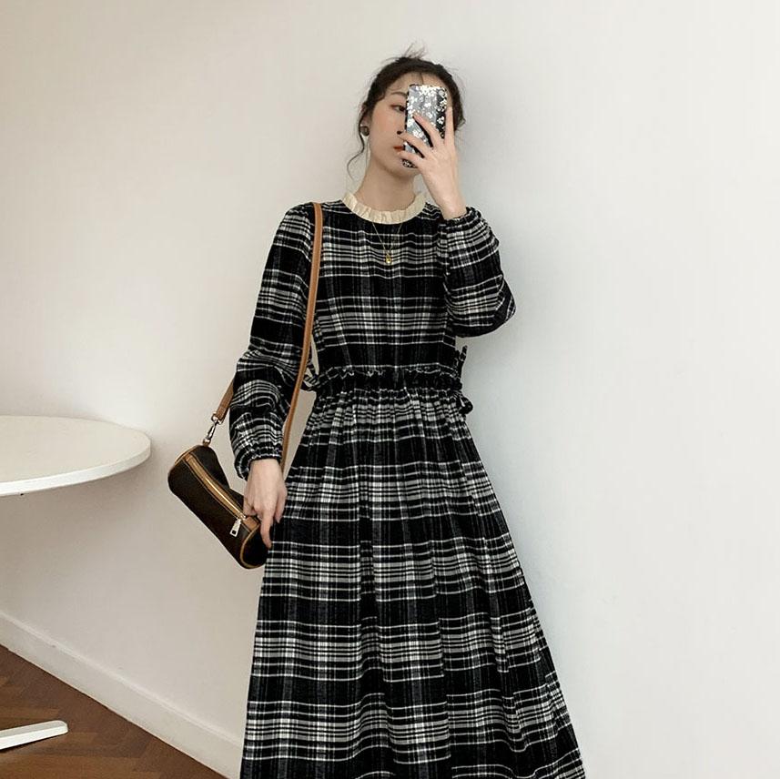 秋冬装2020年新款复古法式内搭气质长袖格子中长款打底连衣裙子女