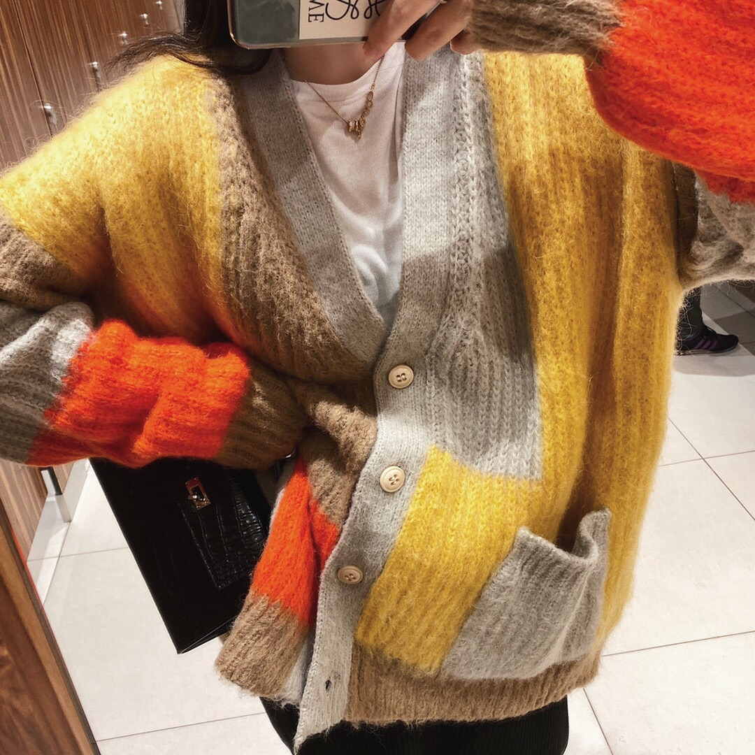 New winter 2019 new age reduction color matching bright yellow fleece sweater women V-neck thickened cardigan coat