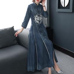 2020秋季复古牛仔连衣裙民族风刺绣旗袍式改良版收腰显瘦秋装长裙