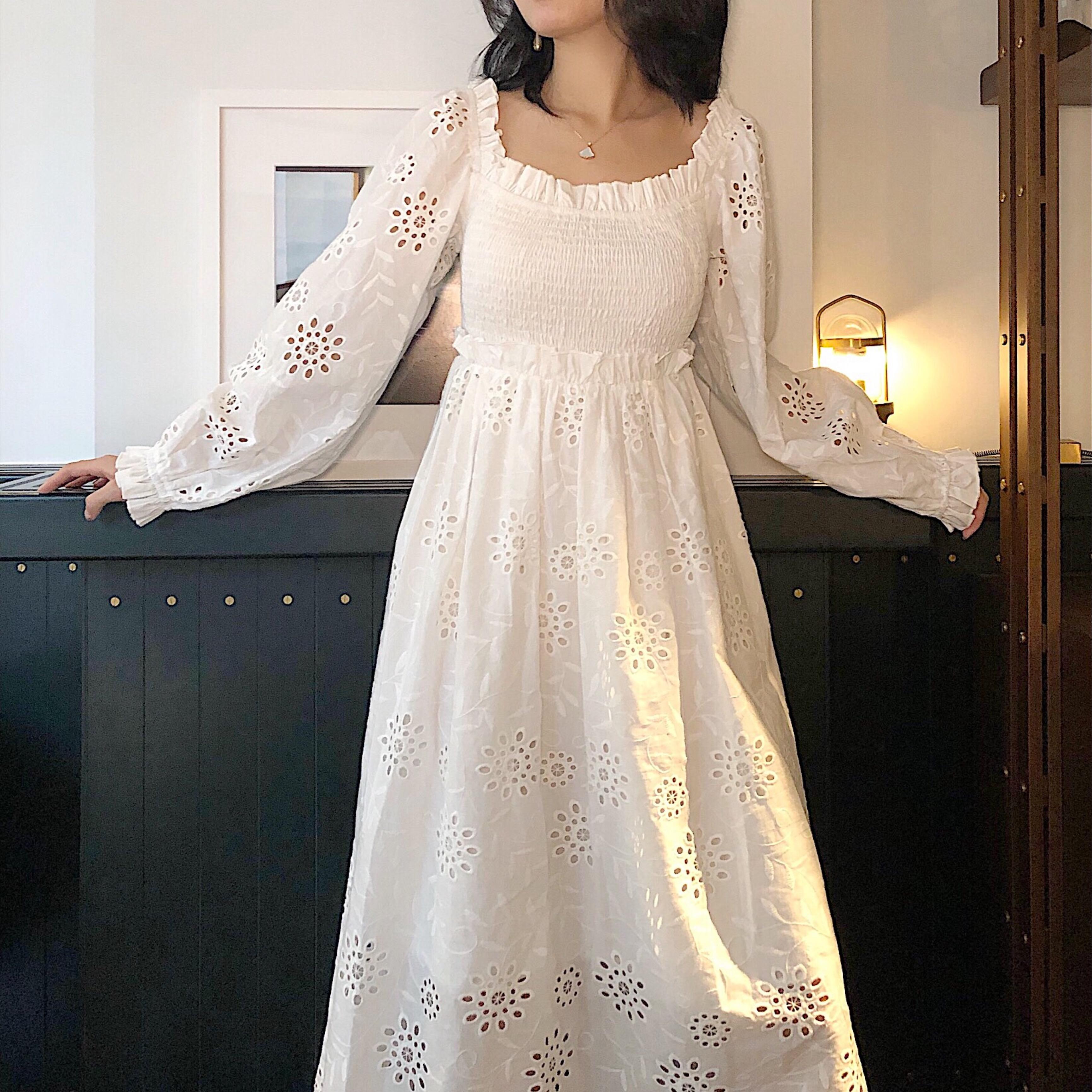 西柚漫步2019春夏度假风新款白色纯棉刺绣镂空宽松仙气连衣裙中长