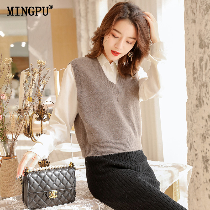 Knitted vest women's spring and autumn winter V-neck Pullover Sweater slim sleeveless waistband small cantilevered short top trend
