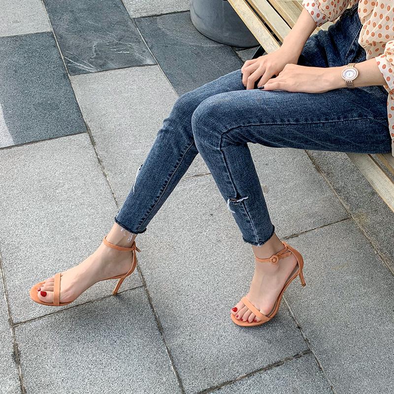 一字扣带凉鞋女夏仙女风圆头细跟高跟鞋2021新款露趾绒面百搭女鞋