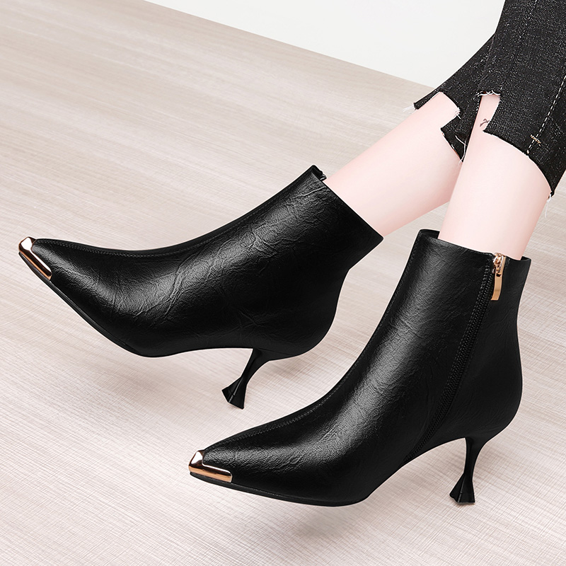 Small black shoes ins street fashion shoes 2021 new single shoes pointed womens shoes net red thin shoes with skirt and Martins