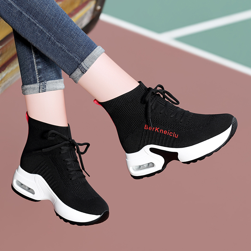 Socks shoes 2021 new autumn breathable leisure versatile thick soled womens shoes with skirt Martin boots womens autumn thin