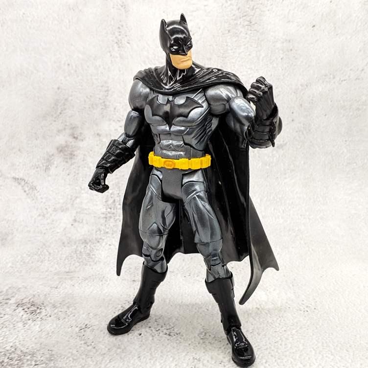 旧物情怀 蝙蝠侠大战超人金属战衣 可动人偶手办公仔玩具模型//